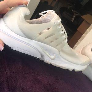 Men's SZ11 used Nike's